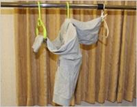 部屋干しのコツフードと袖を垂らさない.jpg